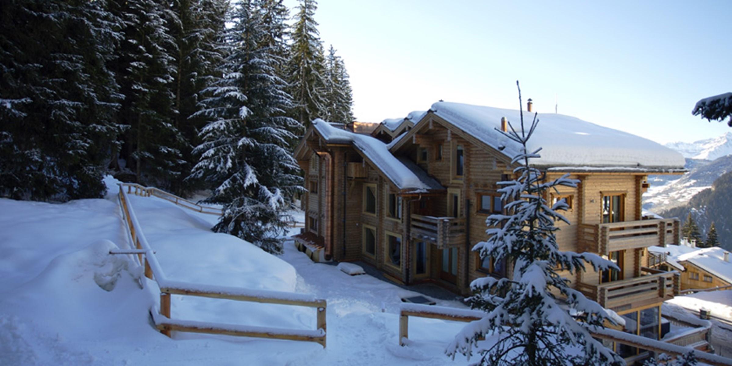 The Lodge Thingstodo Ski In Large