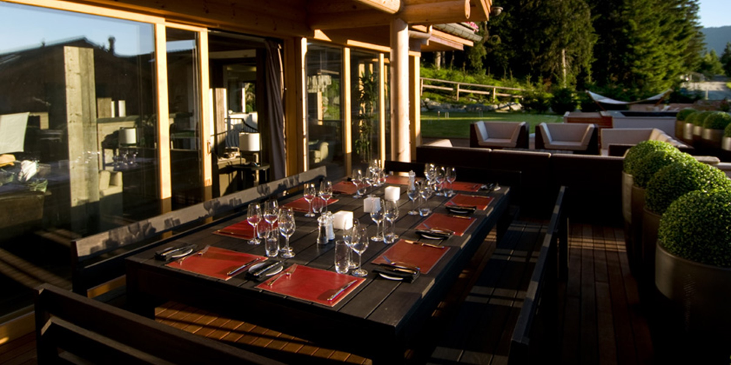 The Lodge Dining Outdoor Terrace Large