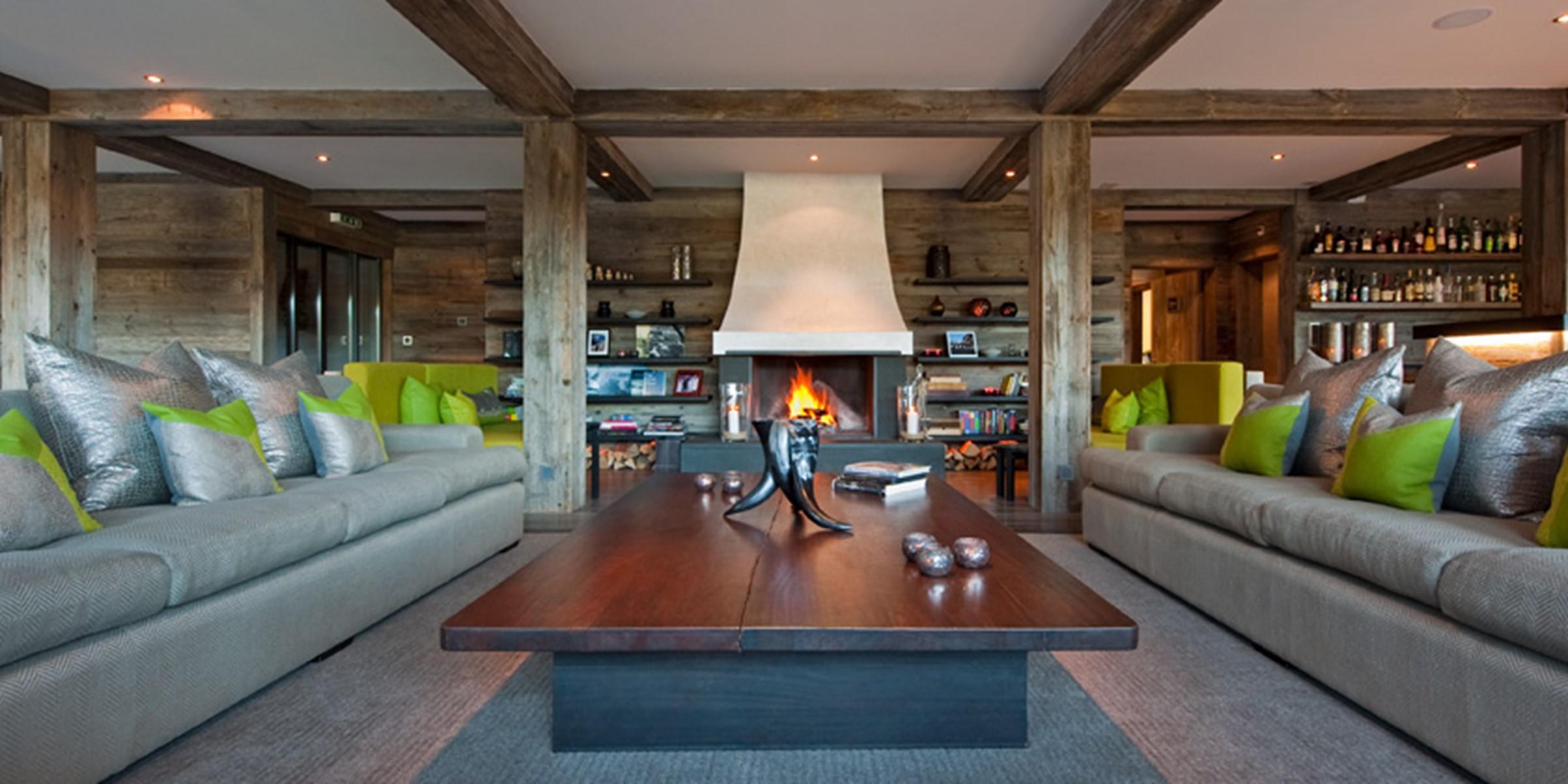 Lodge Main Lounge 000
