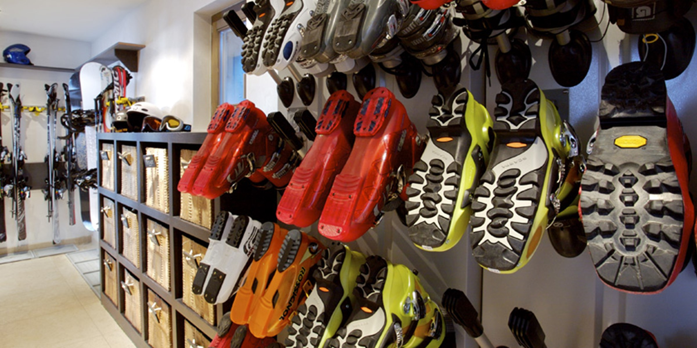 The Lodge Thingstodo Bootroom Large