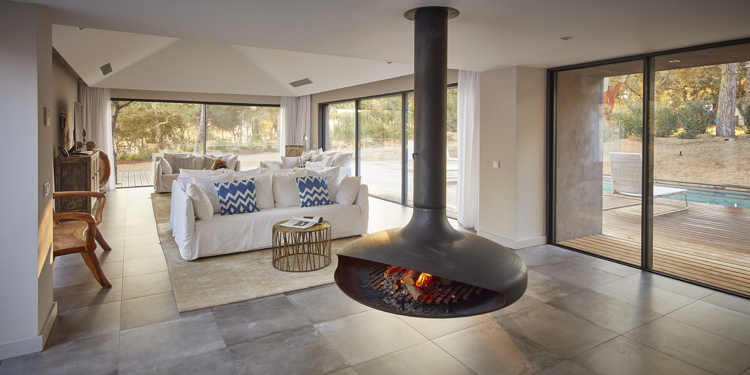 Villa Sublime Comporta Living Room With Fire 0202 LR