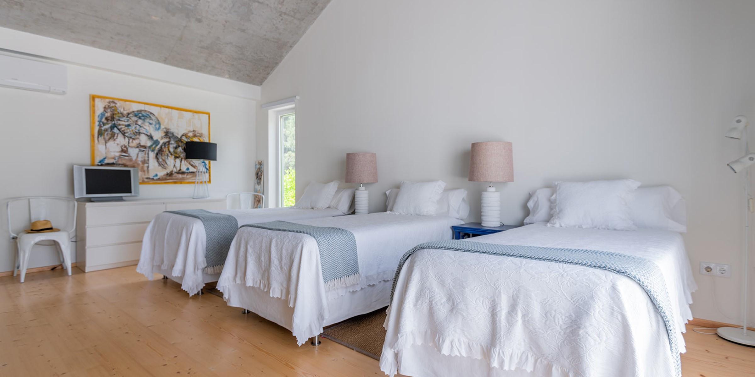 9 Three Beds Bedroom